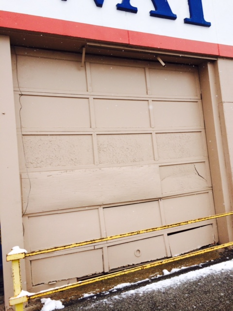 Ugly Garage Doors Get A Makeover In KC & Ugly Garage Doors Get A Makeover In KC - Superior Door Service pezcame.com
